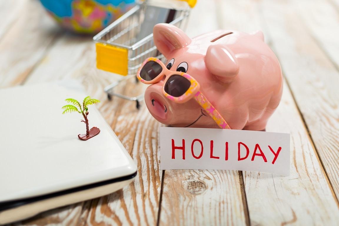 расплачиваться кредитной картой сводить концы с концами брать деньги взаймы домашние обязанности